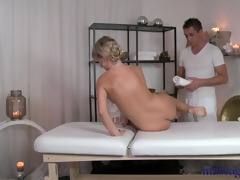 massage rooms sexually excited blonde has her