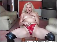 dutch mother widening fantastic pussy and booty