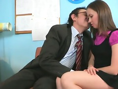 pounding babe\s constricted cunt