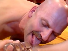 two dudes licking one vagina together!!!
